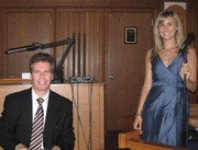 Hire piano players in Philadelphia only from the best at Arnieabramspi