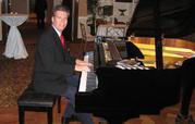 Talented New York musician up for hire only at Manhattanpianist.com
