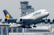 Lufthansa Airlines Official Site